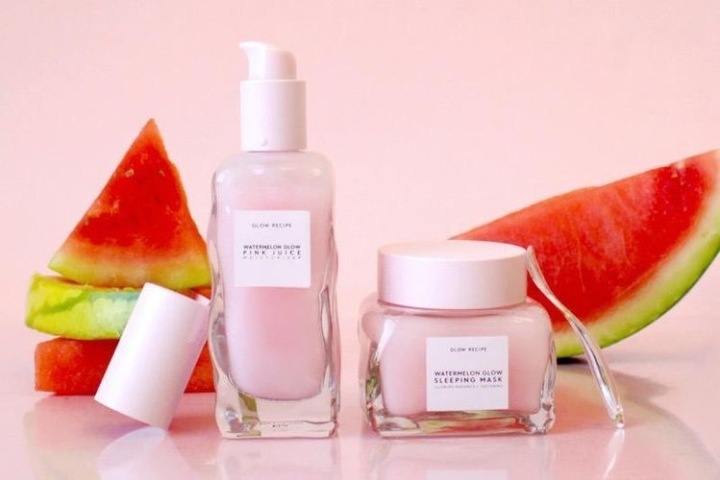 This is how Glow Recipe's watermelon cream works